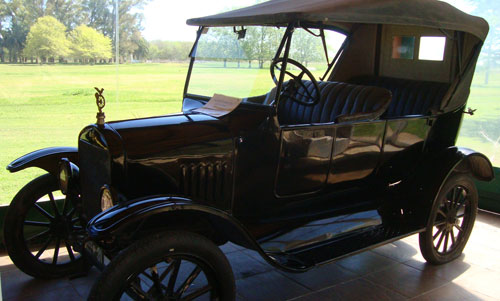Car Ford T 1921 Phaeton
