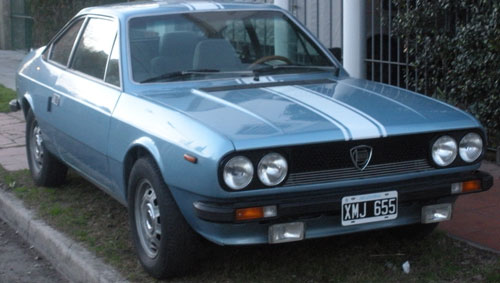 Auto Lancia Beta Coupé 1300