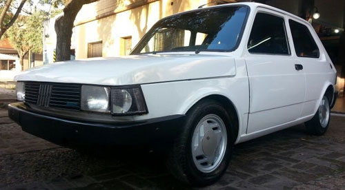 Auto Fiat 147 Enfierrado