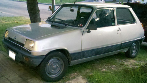 Car Renault R5