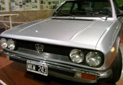 Car Lancia Beta 2000