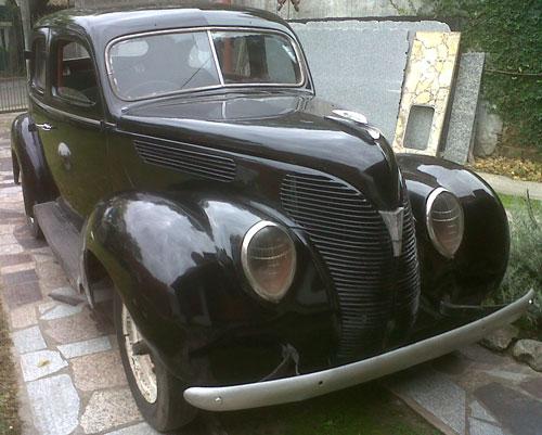 Car Ford Sedán
