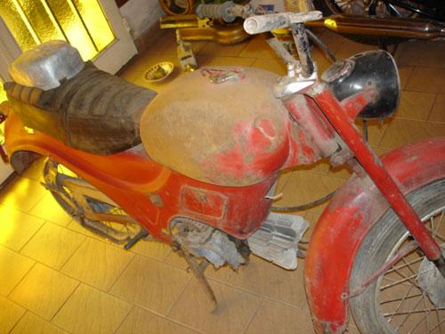 Motorcycle Guzzi 98 Zigolo