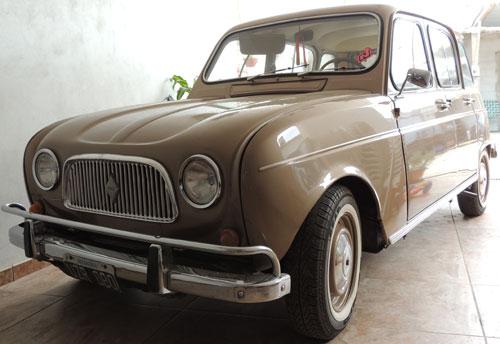 Car Renault 4L