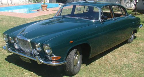 Car Jaguar MK 10