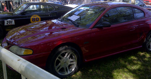 Car Ford Mustang 1997