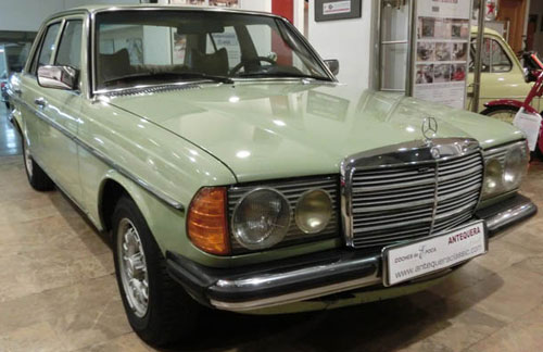 Car Mercedes Benz 300 D W123