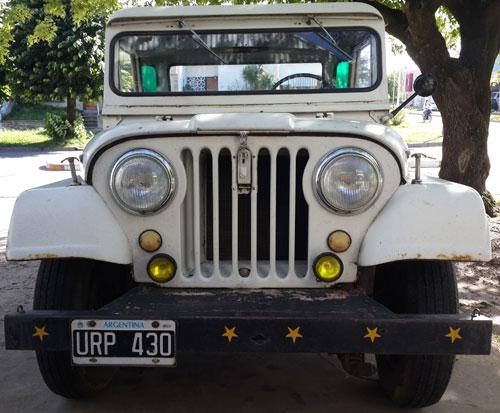Auto Jeep IKA 1973 Caja Larga