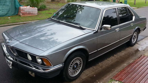 Car BMW 735i