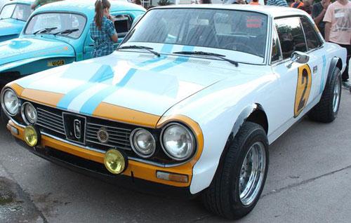 Car IKA Renault Torino TS