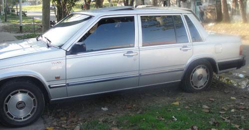 Auto Volvo 760 GLE