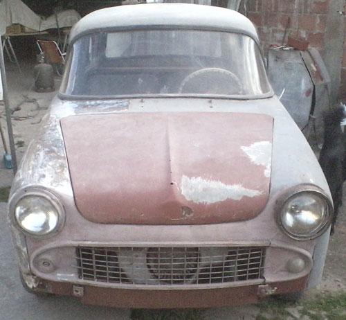 Auto Isard 700 1961