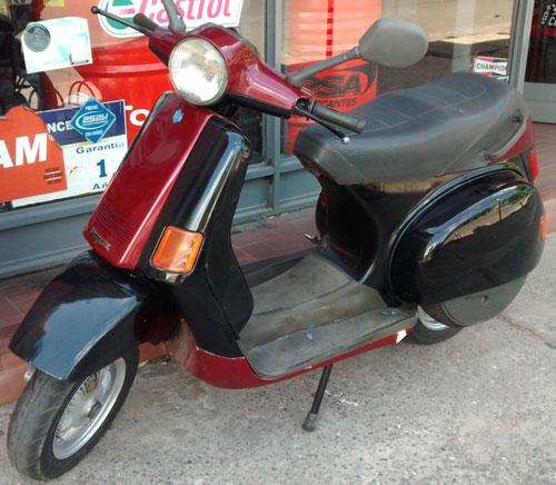 Car Vespa Piaggio Cosa 200