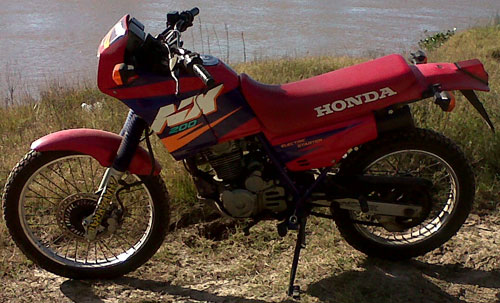 Auto Honda NX 200