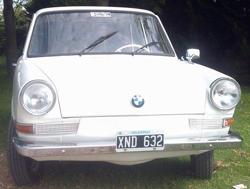 Car BMW De Carlo 700