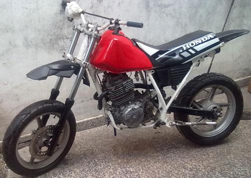Car Honda XL600R