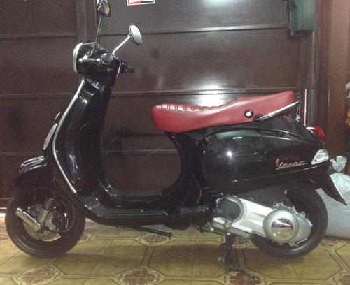 Motorcycle Piaggio Vespa LX 150IE