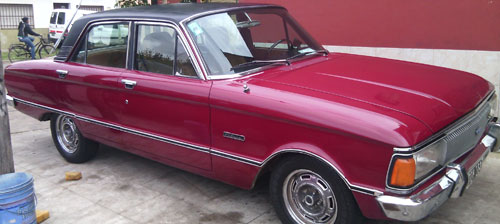 Car Ford Falcon Futura