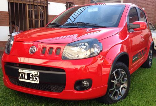 Car Fiat Uno Sporting