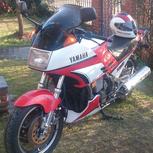 Moto Yamaha FJ 1200