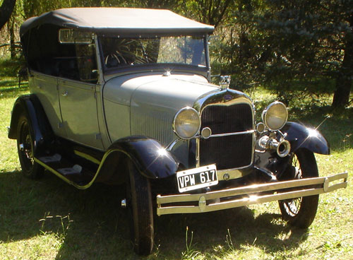 Auto Ford A Doble Fhaeton 1928