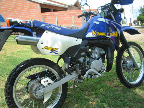 Moto Kawasaki KMX