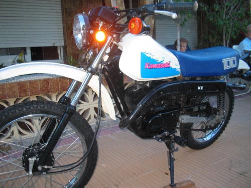 Auto Kawasaki KE 100
