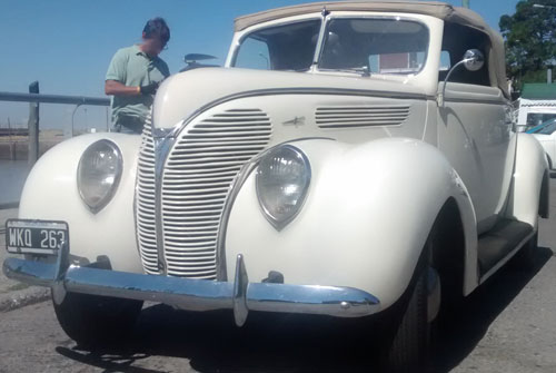 Car Ford Convertible 1938
