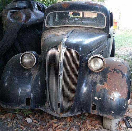 Auto Plymouth 1937