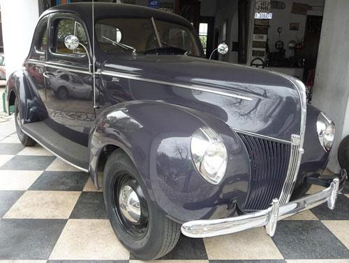 Car Ford Coupé 1940