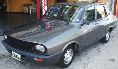 Auto Renault R12