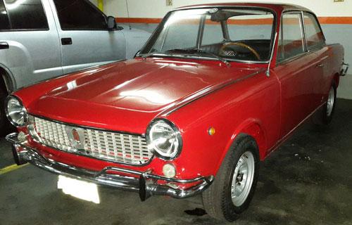 Car Fiat 1500 Coupé