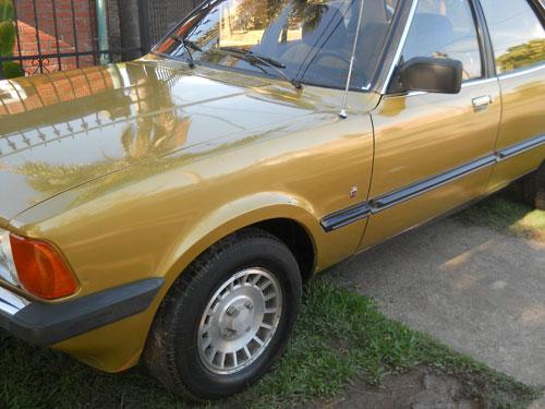 Car Ford Taunus Ghia
