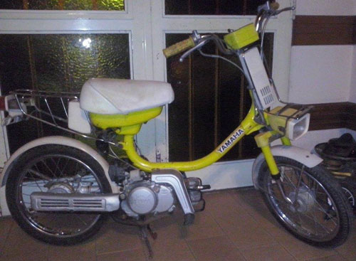Motorcycle Yamaha 50 Cardánica