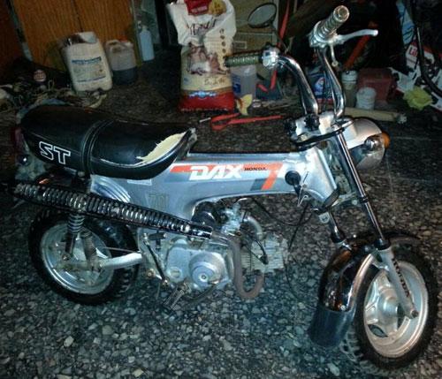 Car Honda Dax C90