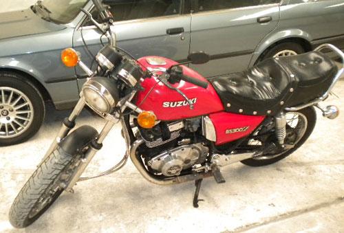 Moto Suzuki GS300