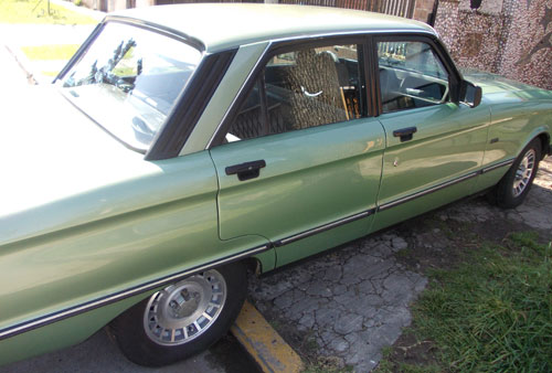 Car Ford Falcon Ghia