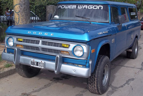 Auto Dodge D200 Power Wagon 4x4