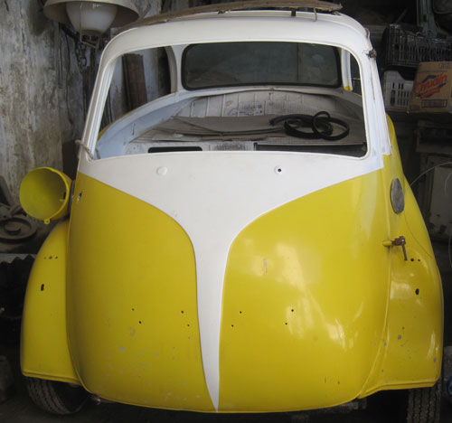 Car BMW Isetta 300