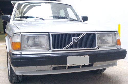 Car Volvo 240 GL Injection
