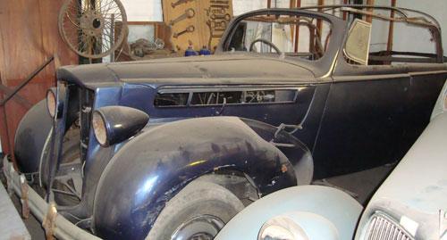 Car Packard 1938 Phaeton
