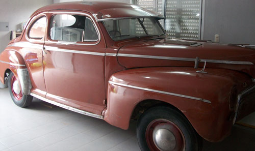 Auto Ford Coupé 1942