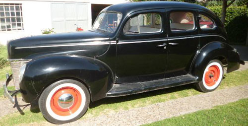 Car Ford 1940 Deluxe