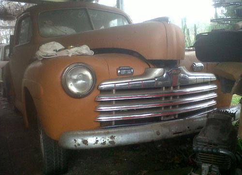 Auto Ford Coupé 1946
