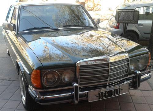 Car Mercedes Benz 230E W123 1981