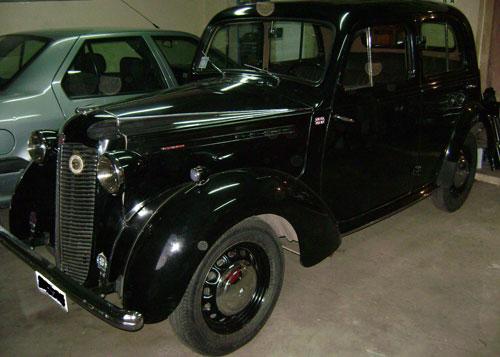 Car Vauxhall 1946