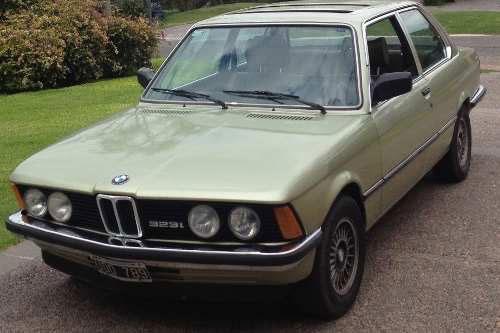 Car BMW 323i E21