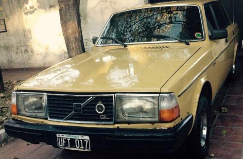Car Volvo 244GL