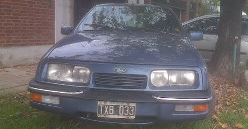 Car Ford Sierra