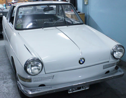 Auto BMW 700 Coupé